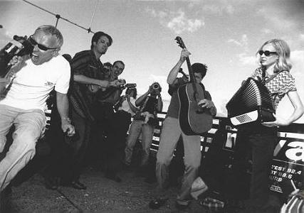 17 Hippies live 1999
