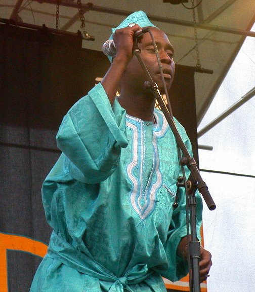 Ifang Bondi at WOMAD 2001, photo by Danette Davis