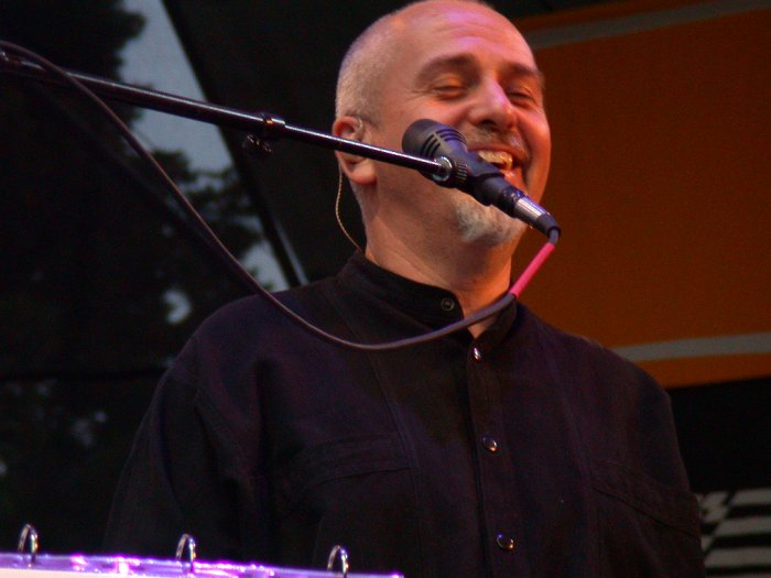 Peter Gabriel at WOMAD 2001, photo by Danette Davis