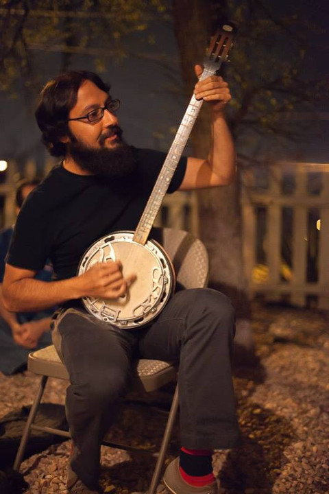 Mohadev with Banjo, photo by Steven Anderson