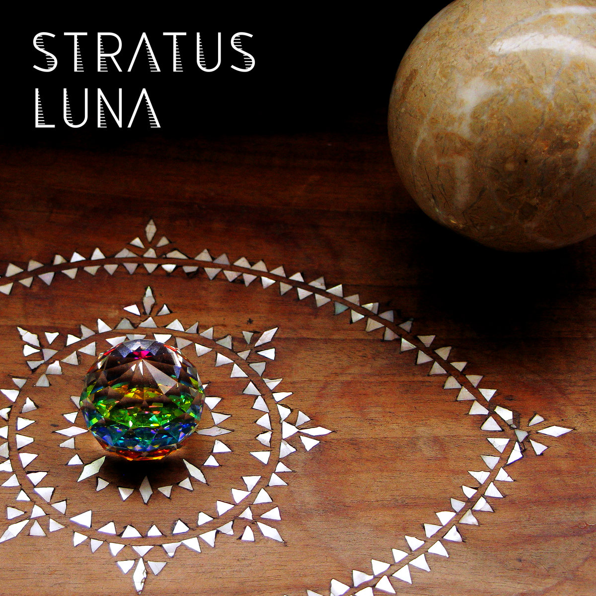 Stratus Luna Cover art