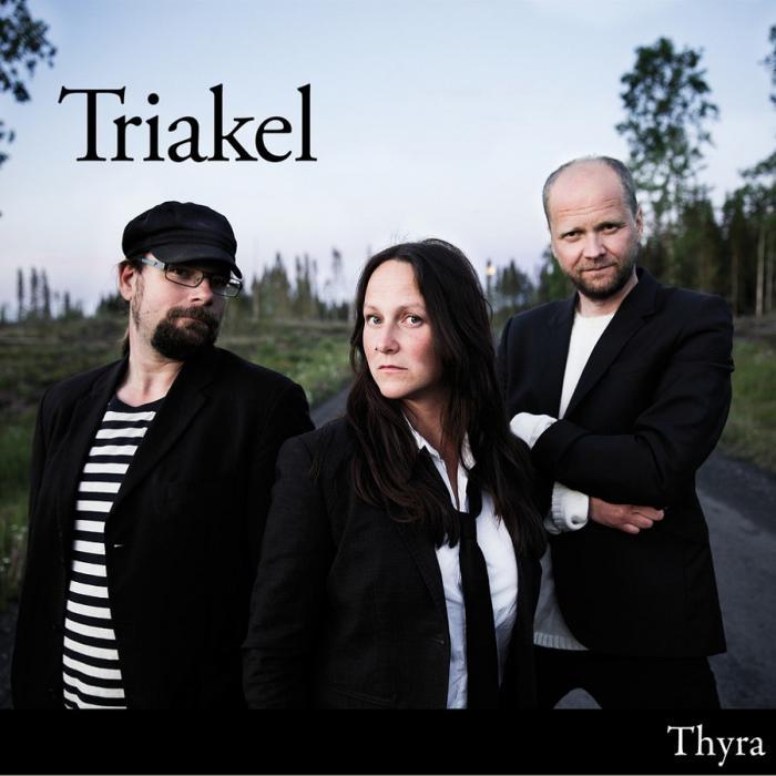 Triakel — Thyra